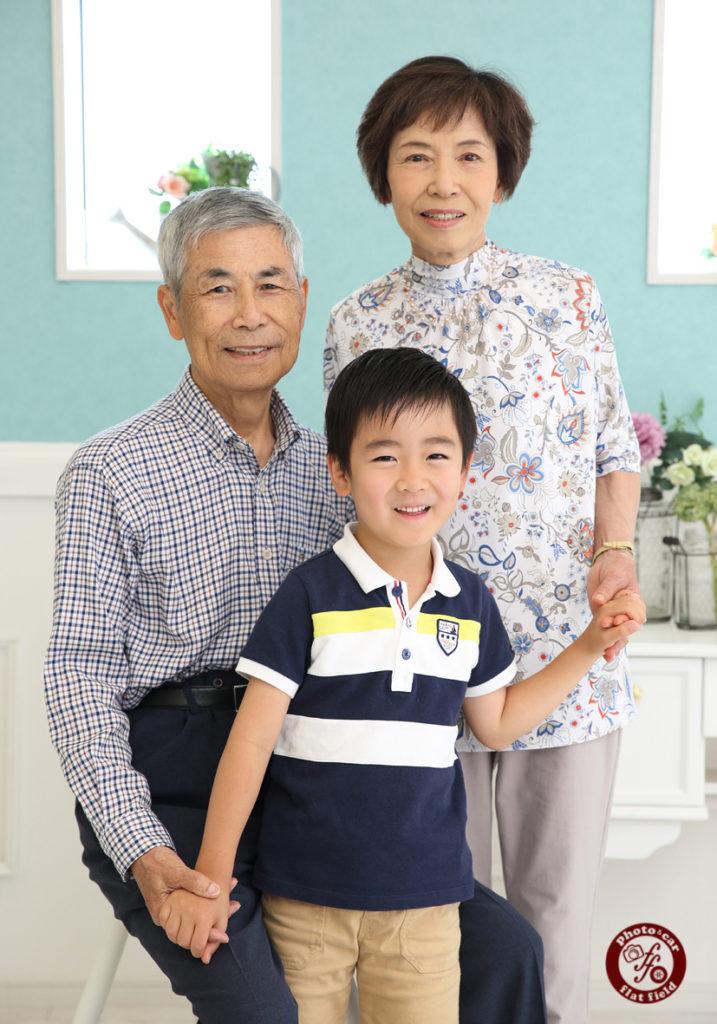 お孫さんと記念写真